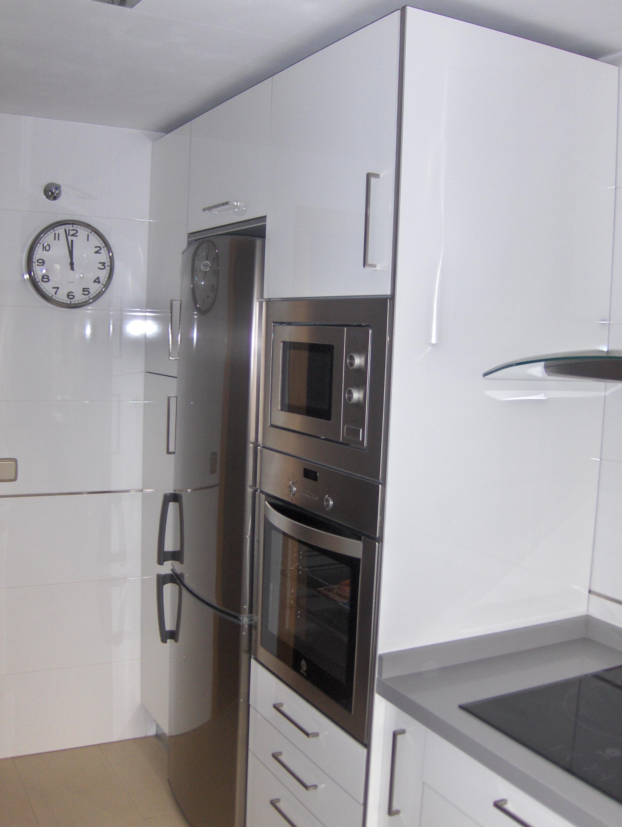 La cocina de rosa y antonio selecci n cocinas - Cocina blanca con encimera blanca ...