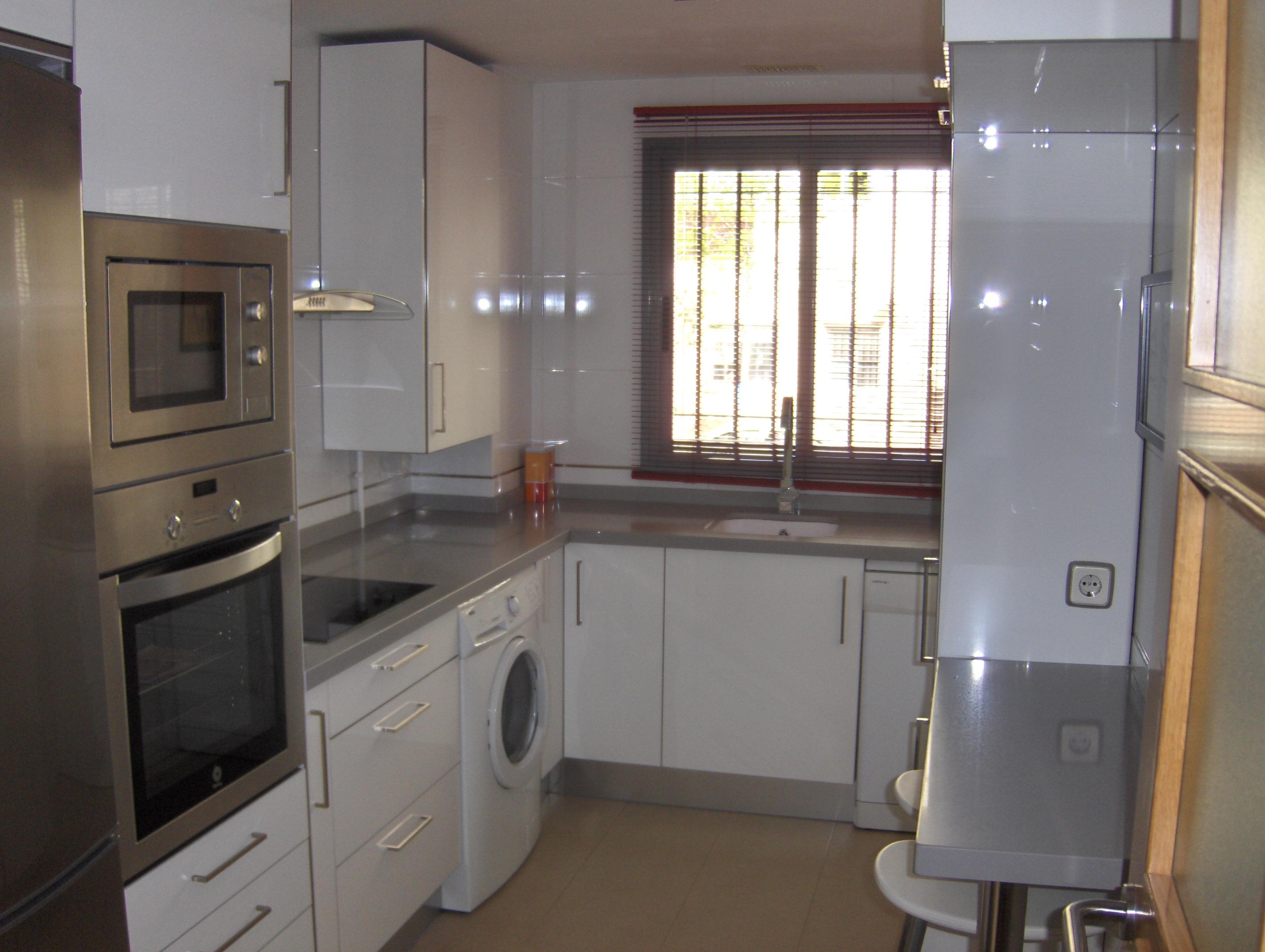 La cocina de rosa y antonio selecci n cocinas - Cocina blanca y gris ...