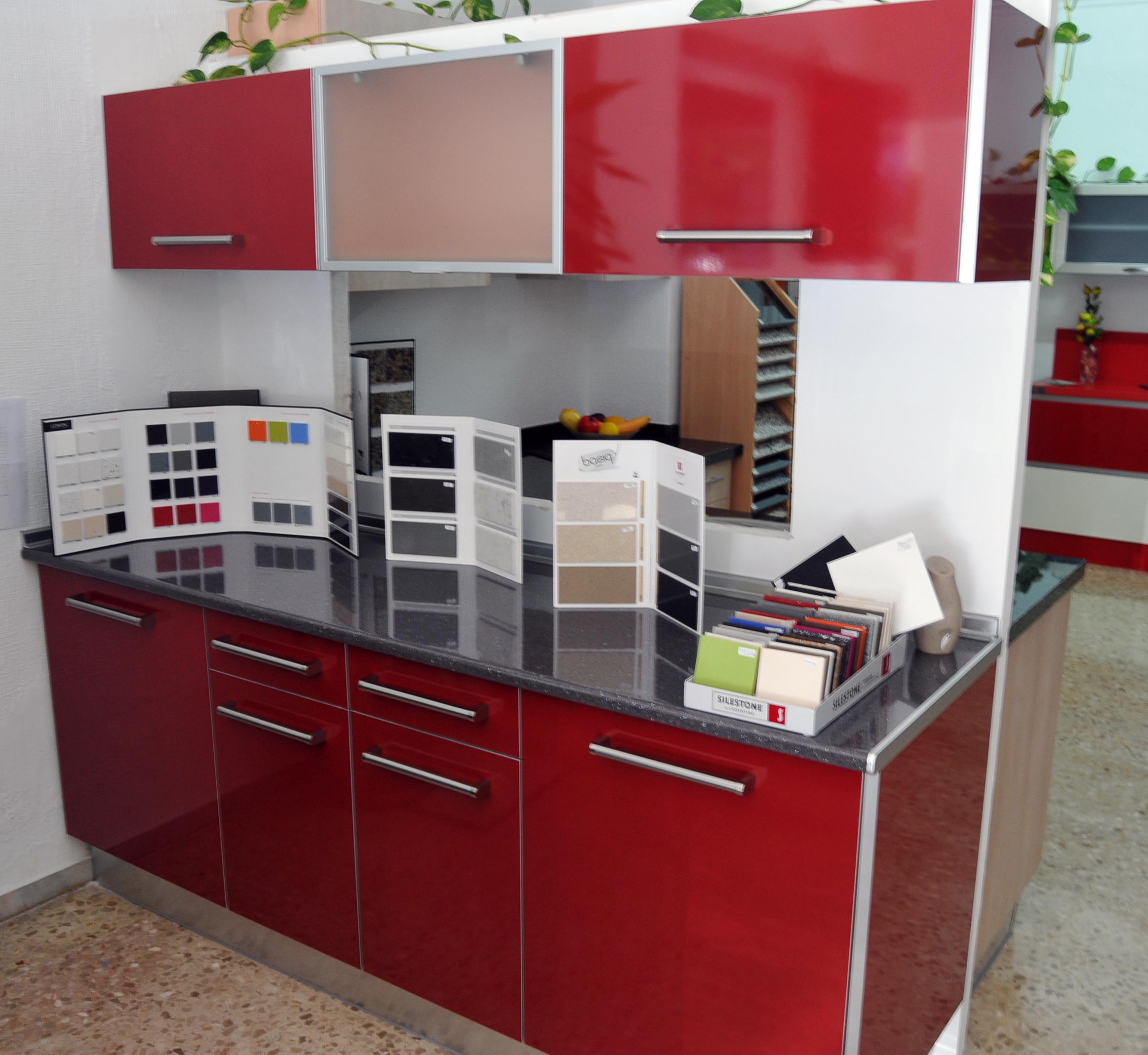 Muebles De Cocinas En Sevilla. Excellent Luarco Empresa De Montaje Y ...