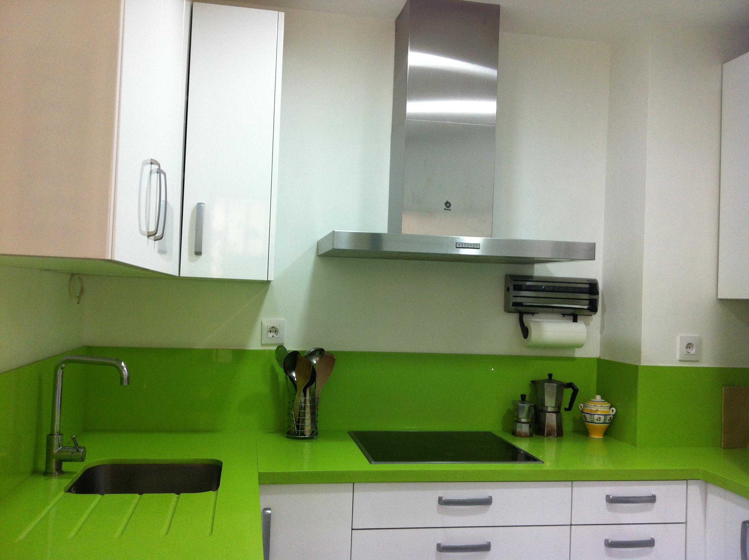 Nuestras cocinas selecci n cocinas tienda de cocinas for Cocinas sevilla